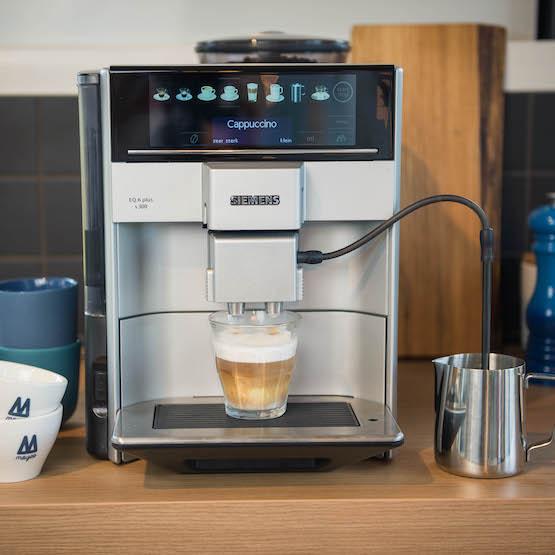 Koffie abonnement - service - Moyee koffie - betaal per kopje - coffeeclick - heren van de koffie - het koffie lab - Roast - Siemens EQ6